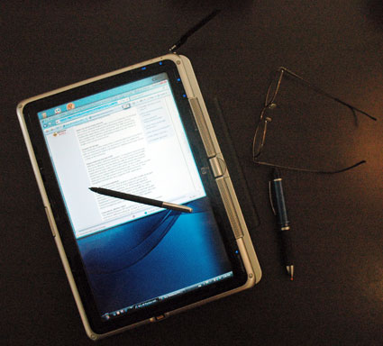 HP Pavilion tx1000 tablet PC open 2