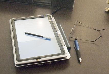 HP Pavilion tx1000 tablet PC open